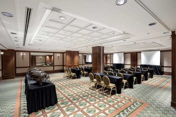 The Christopher Newport Ballroom - Classroom Set